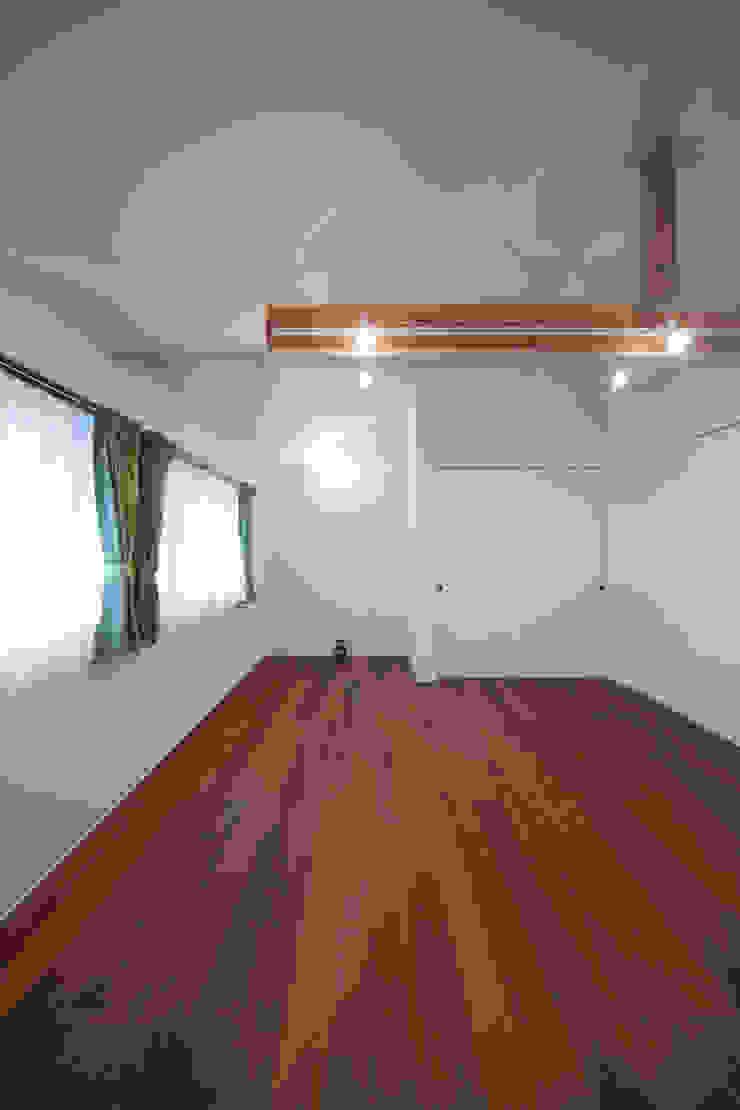 ニコ モダンデザインの 子供部屋 の 一級建築士事務所 楽工舎 モダン