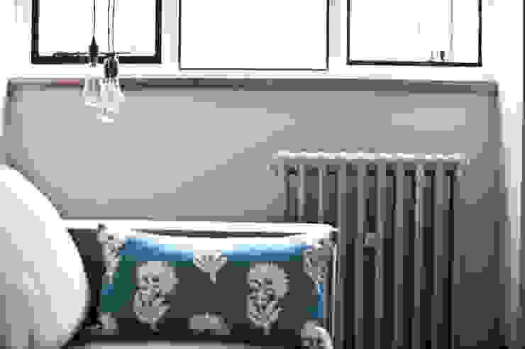 City Pied a Terre Black and Milk | Interior Design | London Salones de estilo industrial