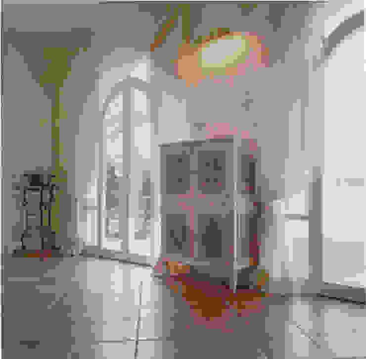 Living-room, dettaglio Soggiorno classico di Studio Mingaia Classico