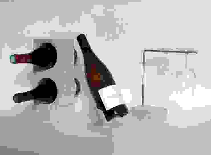 socle à bouteille en pierre de Bourgogne par Marie Deley Minimaliste