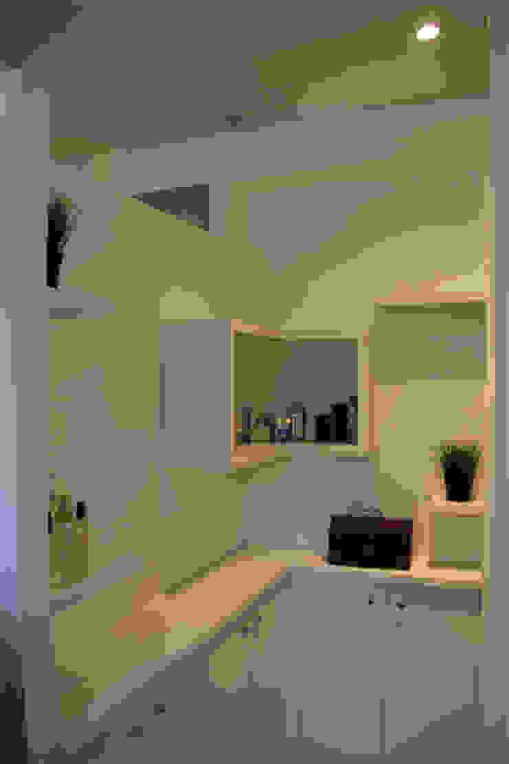 Rangements salle de bains Salle de bain minimaliste par Architectures² Minimaliste