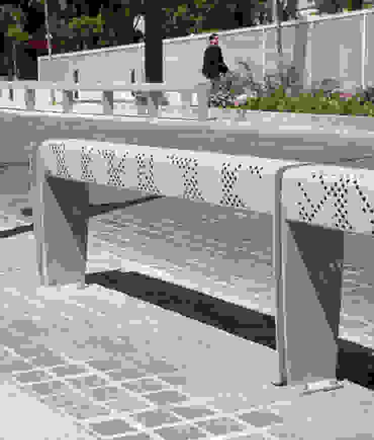 Berta Limit / Furniture de KXdesigners Moderno