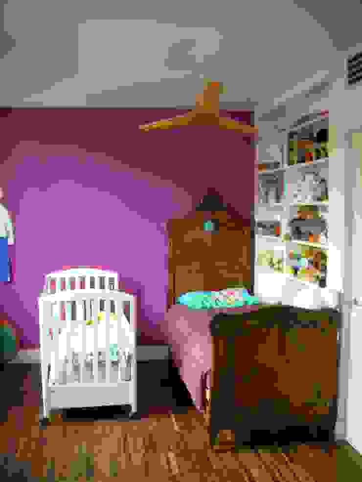 Modern Kid's Room by SENSIBILE DE ROSALES Modern
