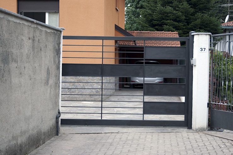 cancello d'ingresso Giardino moderno di SENSIBILE DE ROSALES Moderno