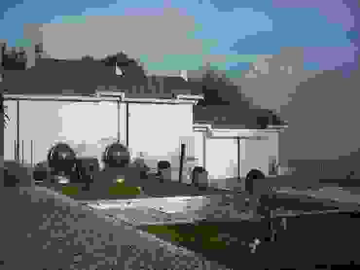 giardino Giardino moderno di SENSIBILE DE ROSALES Moderno