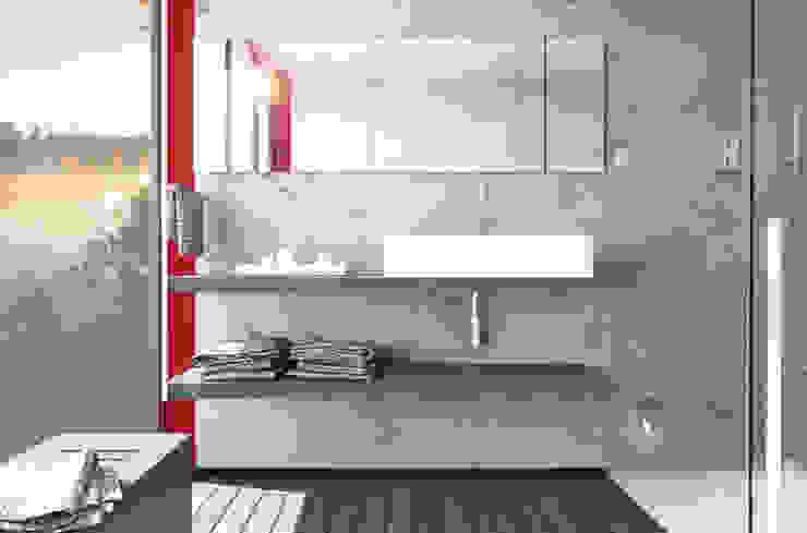 Appartamento sul Lago di Costanza ad Arbon Bagno moderno di ZDA Zanetti Design Architettura Moderno