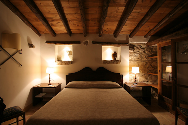 Rustic style bedroom by Architetto Giuseppe Prato Rustic