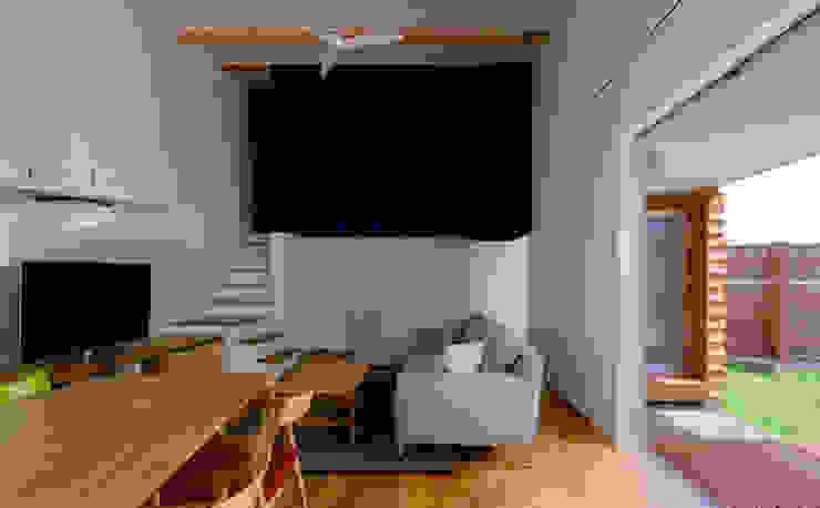 n・D モダンデザインの リビング の 一級建築士事務所 楽工舎 モダン