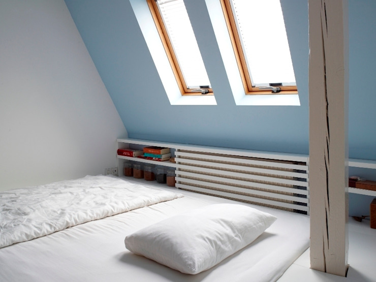 Schlafzimmer mit Blick in die Nacht Moderne Schlafzimmer von InteriorPark. Modern
