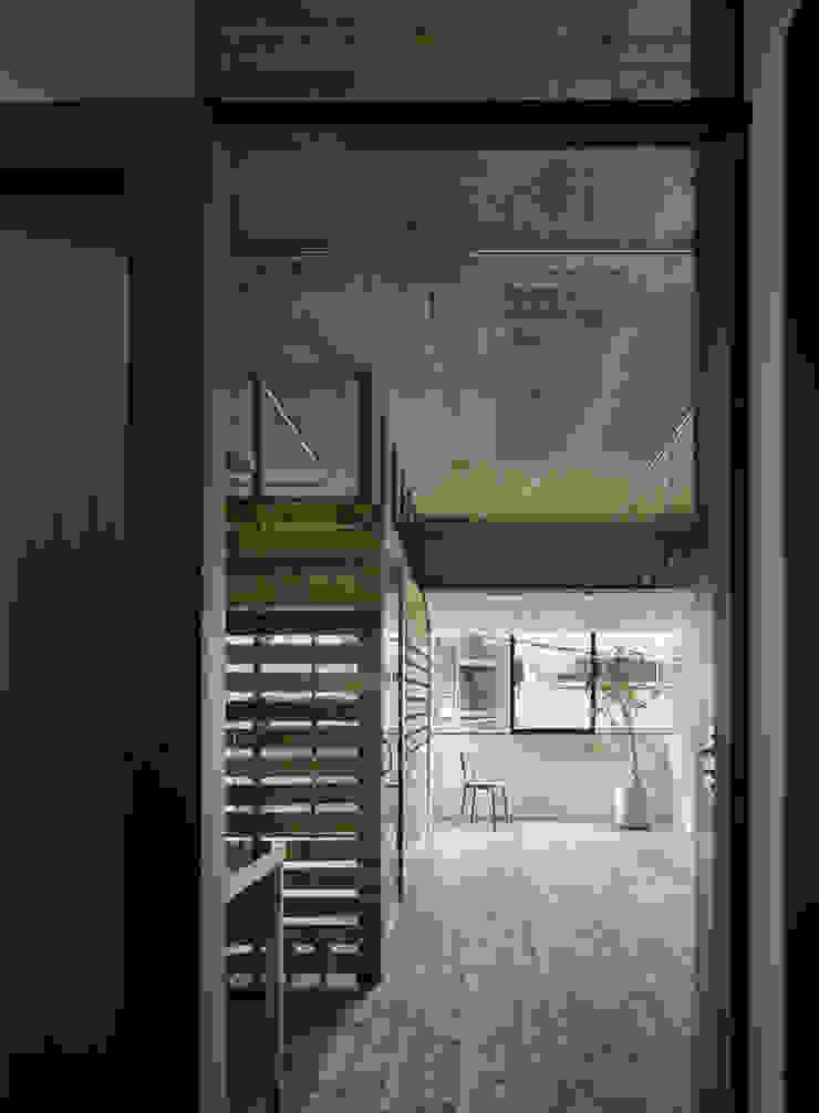元浅草の住居 ラスティックデザインの リビング の 蘆田暢人建築設計事務所 Ashida Architect & Associates ラスティック