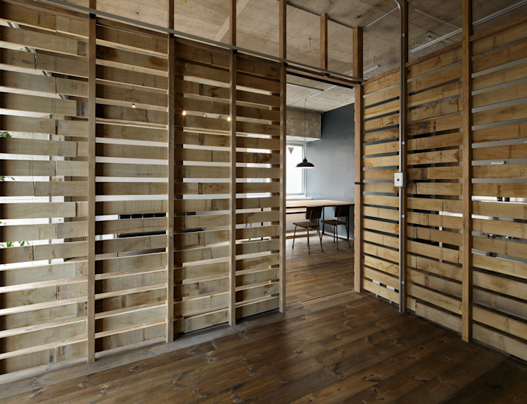 蘆田暢人建築設計事務所 ​Ashida Architect & Associates의  벽, 러스틱 (Rustic)