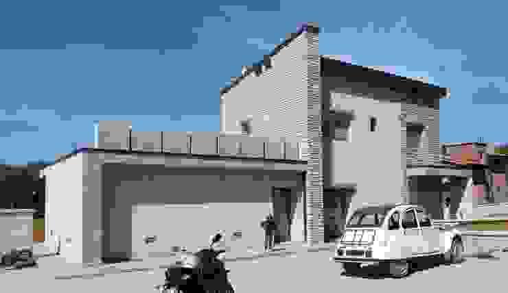 vista nord est Case in stile rustico di TuscanBuilding - Studio tecnico di progettazione Rustico
