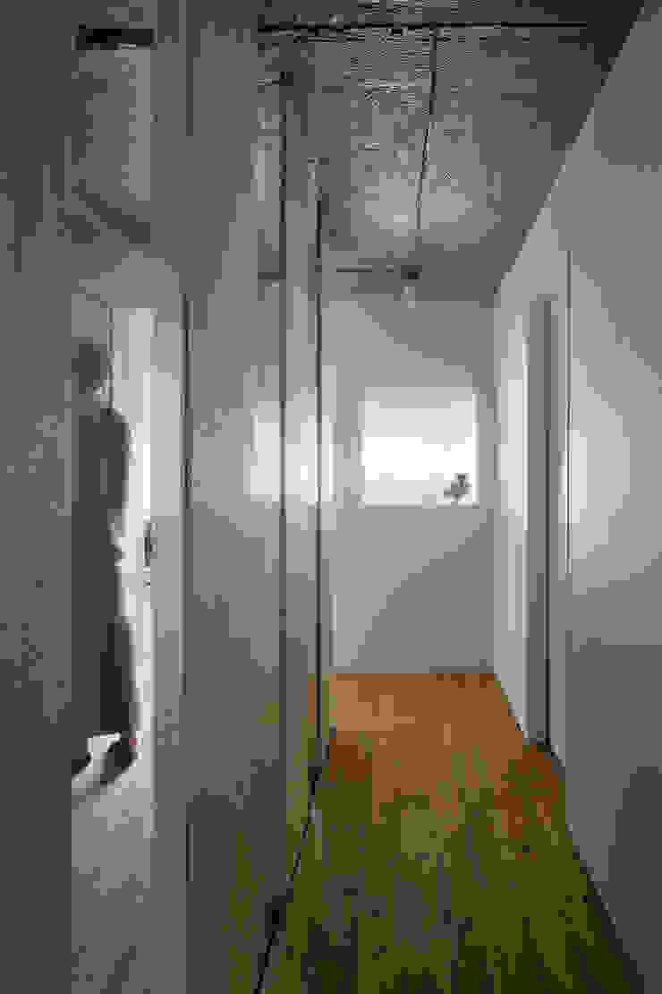 上町の住居 ミニマルスタイルな 壁&床 の 蘆田暢人建築設計事務所 Ashida Architect & Associates ミニマル