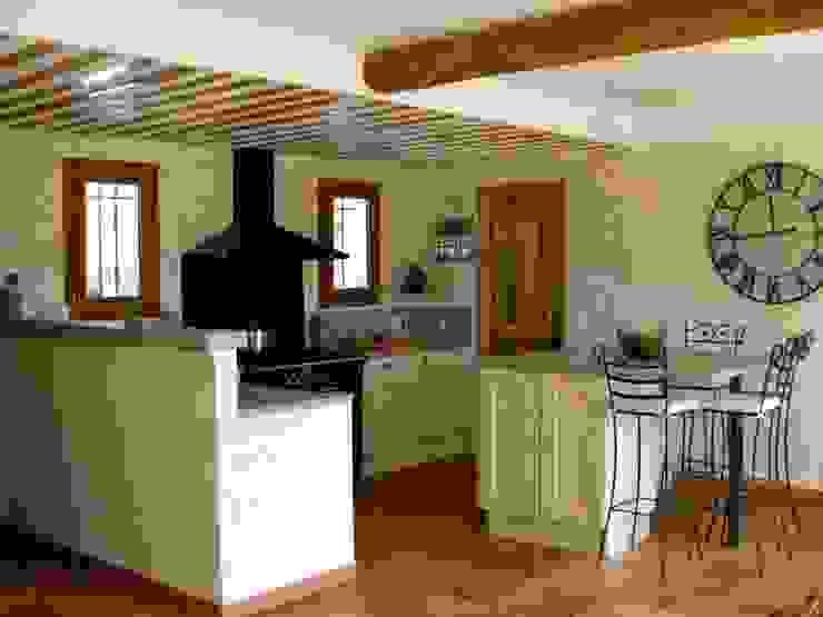 B.Inside Cocinas de estilo mediterráneo