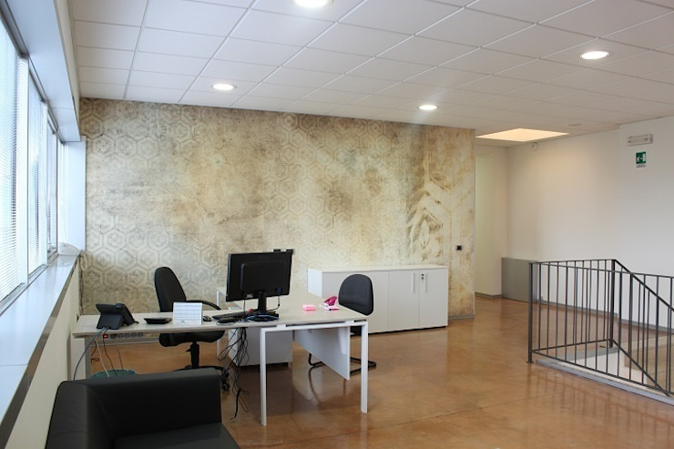 Sede AD Complesso d'uffici moderni di OGARREDO Moderno