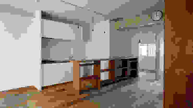 西葛西の住居 インダストリアルデザインの キッチン の 蘆田暢人建築設計事務所 Ashida Architect & Associates インダストリアル