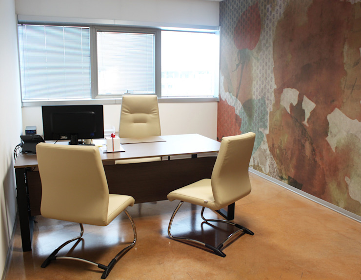 Ufficio direzionale Complesso d'uffici moderni di OGARREDO Moderno