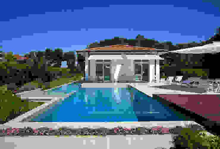 Villa Stella, Marina di Pietrasanta (LU) Case moderne di Michelangelo Chiti Architetto Moderno