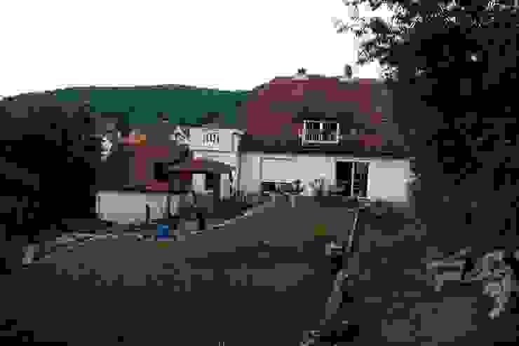 Haus vor der Sanierung von Rimini Baustoffe GmbH Mediterran