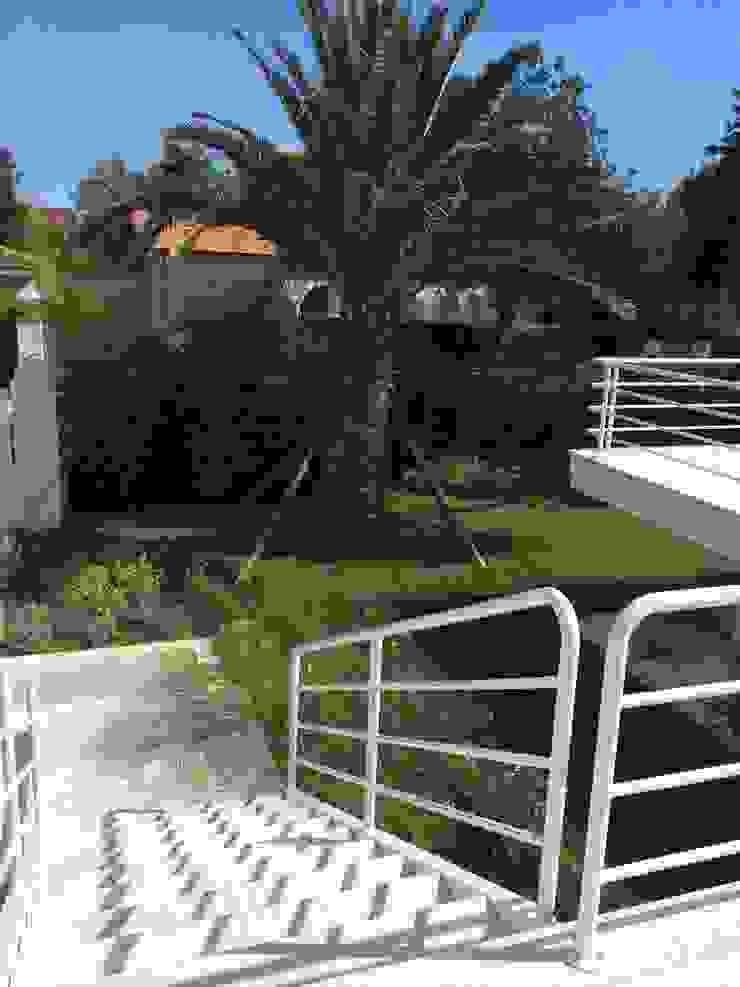 Mediterranean style garden by Michelangelo Chiti Architetto Mediterranean