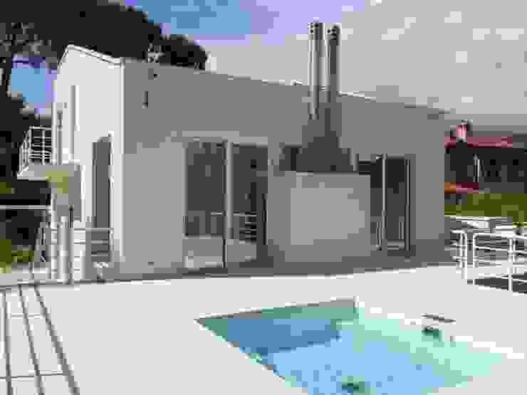 Minimalist house by Michelangelo Chiti Architetto Minimalist