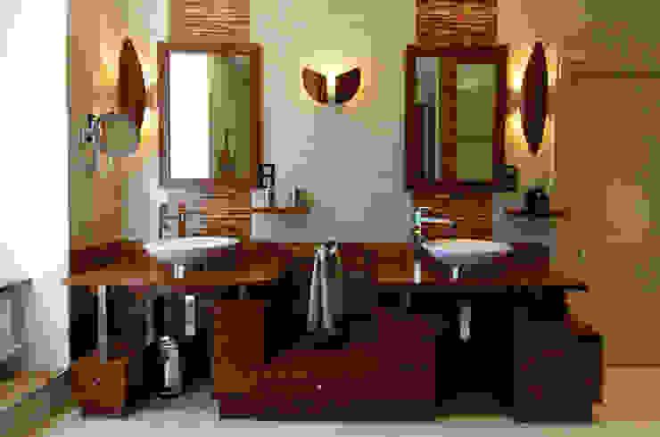 Meuble vasques Salle de bain coloniale par ARMOR ARCHITECTURE ASSOCIES Colonial