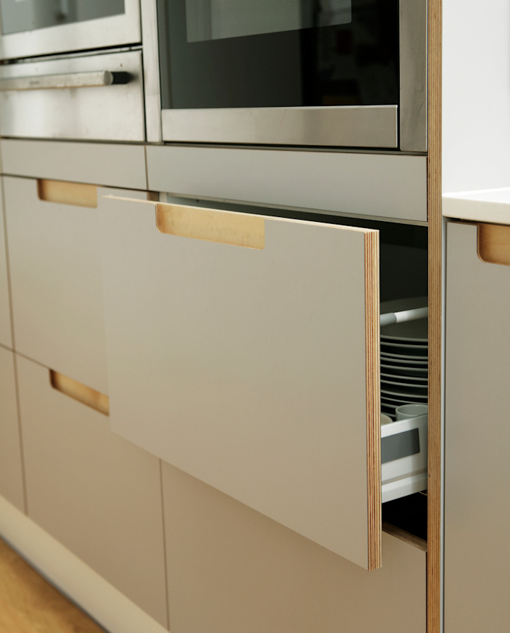Formica and Birch Ply Doors with Integrated Handle: modern  by Matt Antrobus Design, Modern