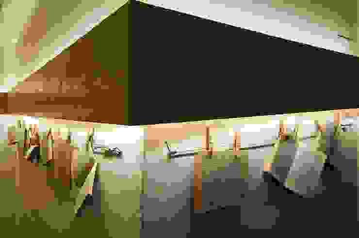 """""""Il Corridoio delle parole appese"""" Hotel in stile eclettico di Studio Giorgi Barbieri Architetti Eclettico"""