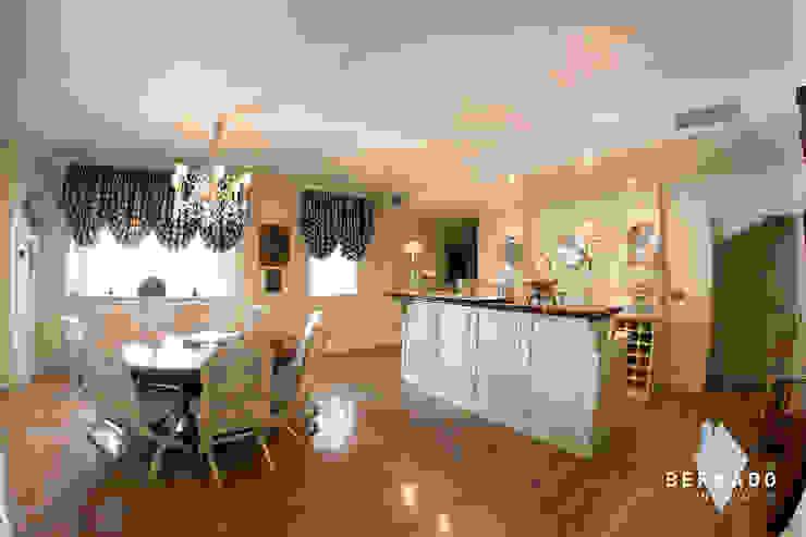 Cocina Bernadó Luxury Houses Cocinas de estilo clásico