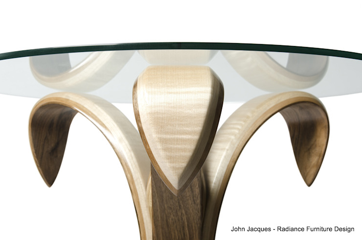 The Bloomin' Lovely Flower Table No2 od Radiance Furniture Design Eklektyczny