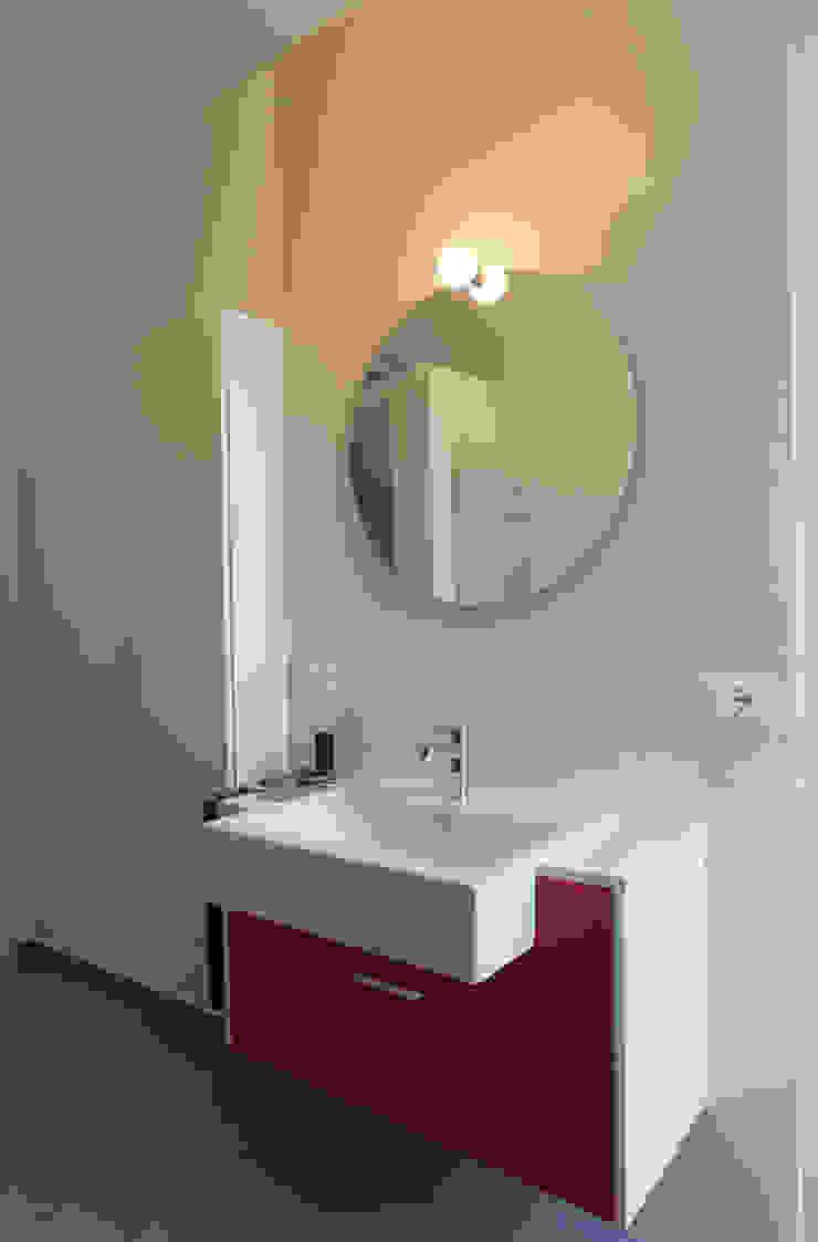 Appartamento 1 Bagno moderno di Elisa Rizzi architetto Moderno
