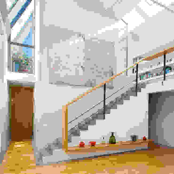 Loft in zona Savona a Milano Soggiorno moderno di Studio fase Moderno