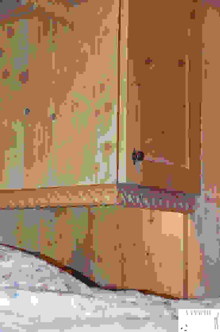 Dettaglio cornice di Arredamenti Brigadoi Rustico