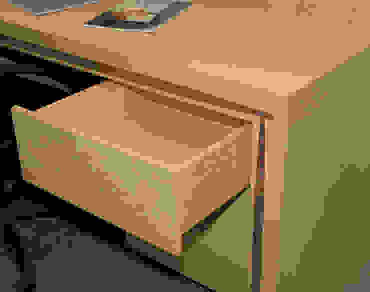 mesa lenervo con 3 cajones funcionales: todo para tu trabajo y estudio de Lenervo Moderno
