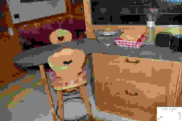 Cucina Cucina in stile rustico di Arredamenti Brigadoi Rustico