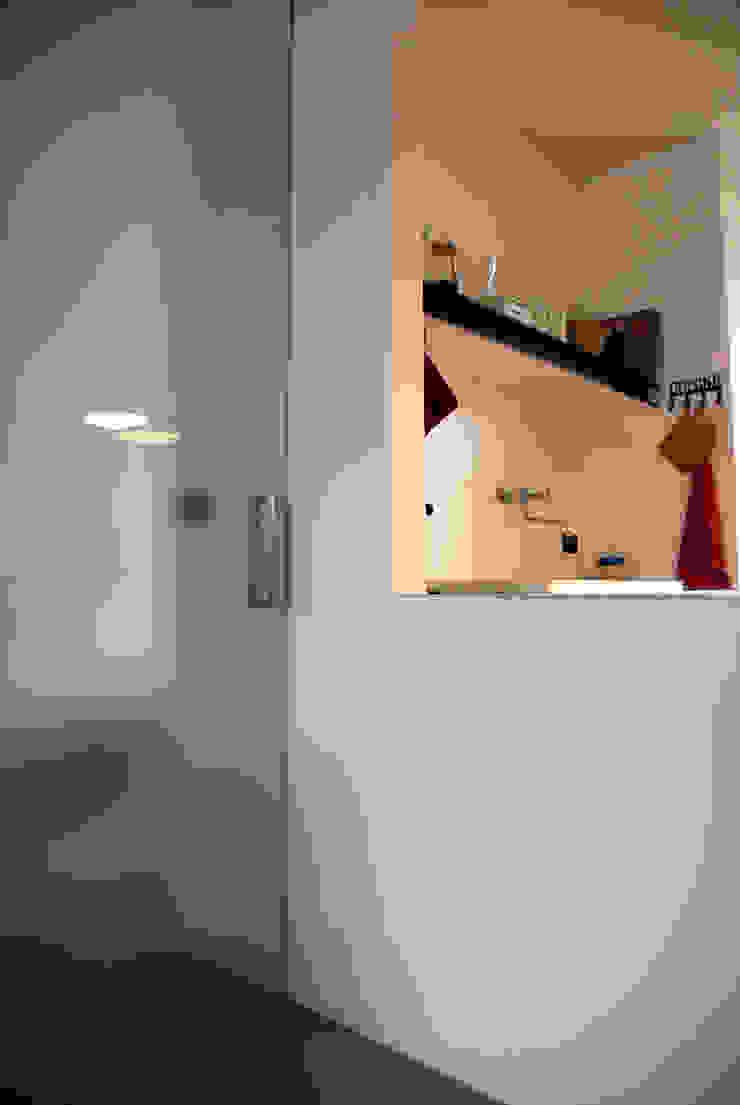 attico Cesena Soggiorno minimalista di andrea nicolini architetto Minimalista