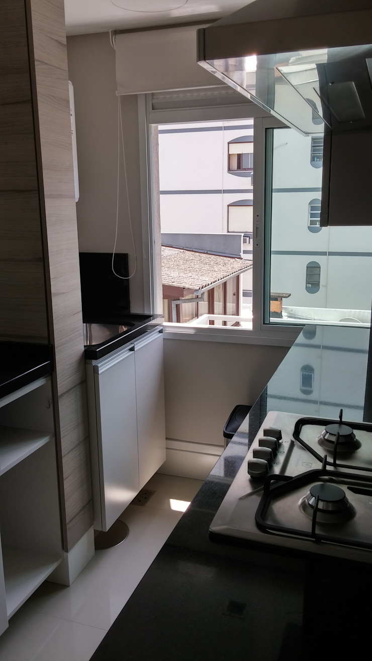 Lavanderia Cozinhas modernas por Cristiano Carvalho Arquitetura e Design Moderno