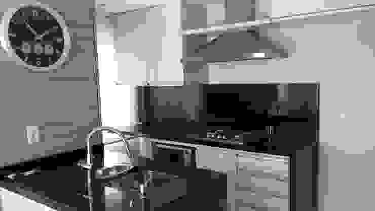 Cozinha Cozinhas modernas por Cristiano Carvalho Arquitetura e Design Moderno
