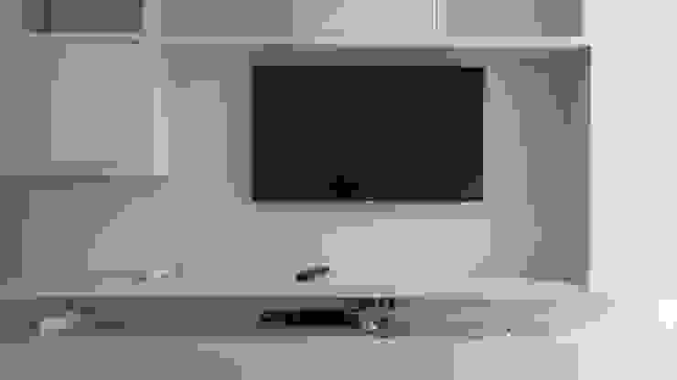 Painel Tv Salas de estar modernas por Cristiano Carvalho Arquitetura e Design Moderno