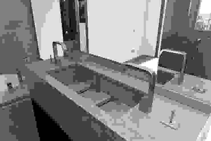 Détail sur vasque Salle de bain moderne par BARONBARON Moderne