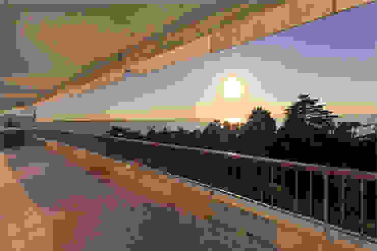 vue depuis la terrasse 01 Balcon, Veranda & Terrasse classiques par BARONBARON Classique