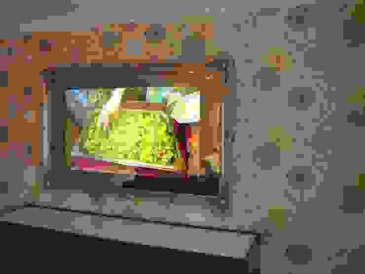Traditional Framed Mirror TV Designer Vision and Sound Soggiorno moderno