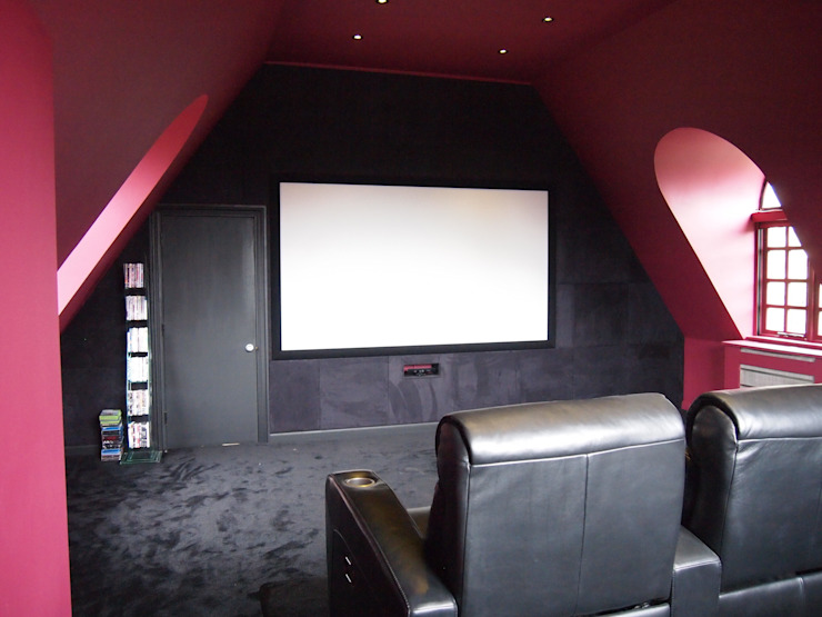 Suede fabric wall and screen in van Designer Vision and Sound