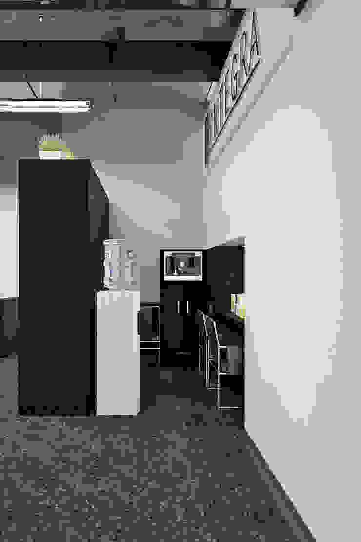 by Студия дизайна Interior Design IDEAS Industrial