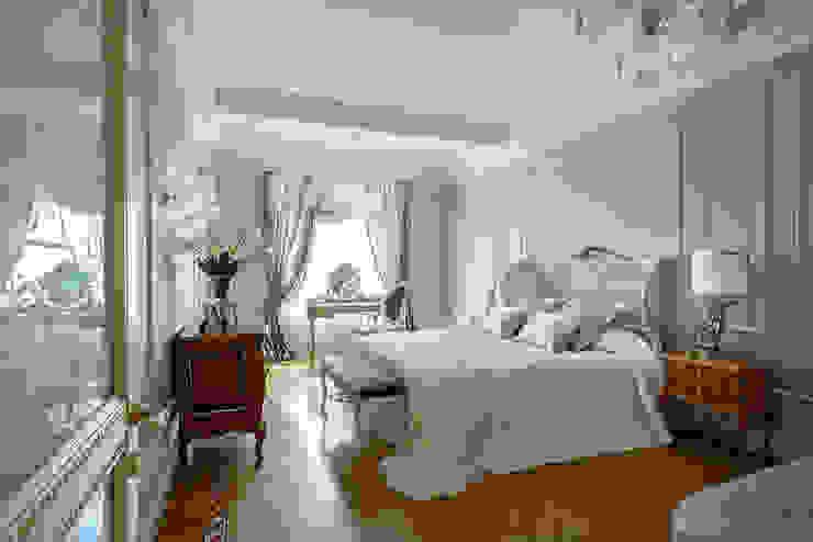 New classic Спальня в классическом стиле от Omela Классический
