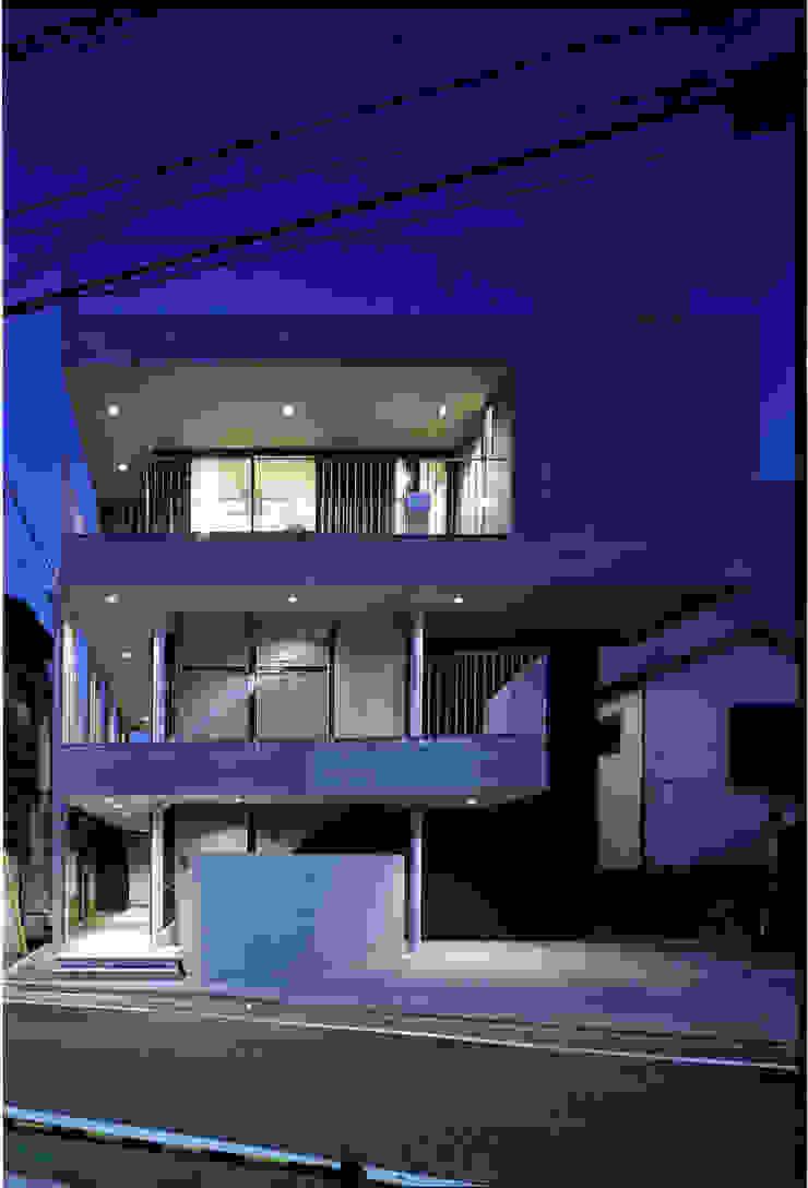 ファサード モダンな 家 の 濱嵜良実+株式会社 浜﨑工務店一級建築士事務所 モダン