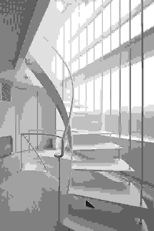 岩井文彦建築研究所 Koridor & Tangga Gaya Eklektik