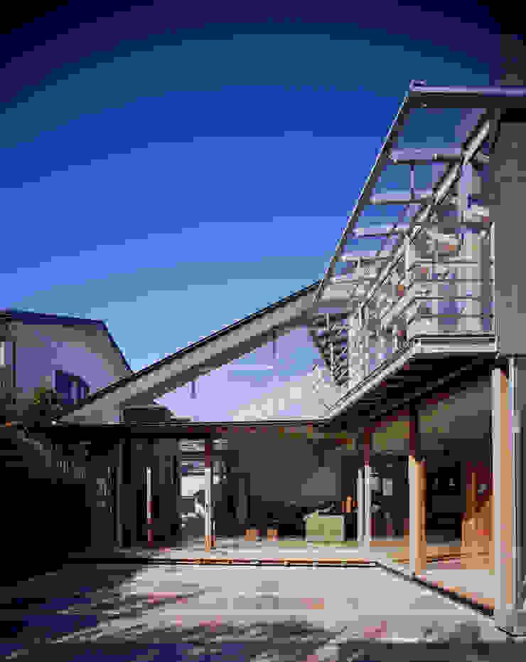 光を抱く家 オリジナルデザインの テラス の 西島正樹/プライム一級建築士事務所 オリジナル