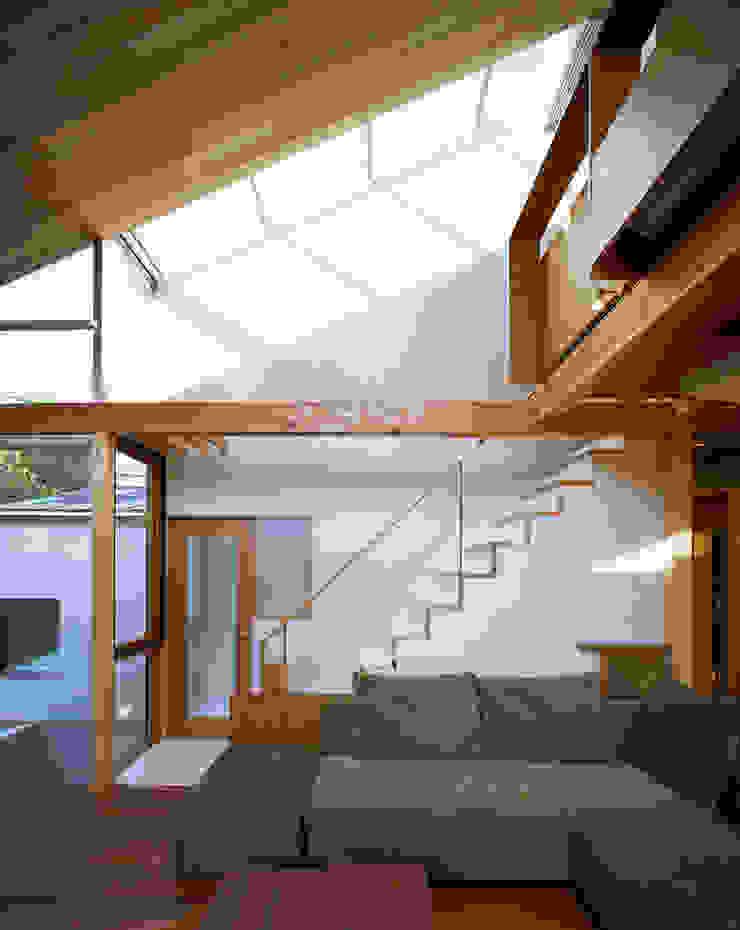 光を抱く家 オリジナルスタイルの 玄関&廊下&階段 の 西島正樹/プライム一級建築士事務所 オリジナル
