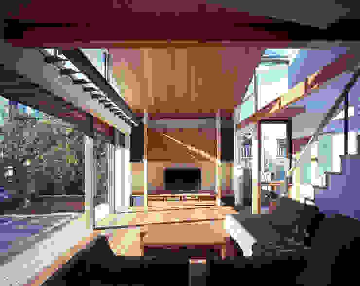 光を抱く家 オリジナルデザインの リビング の 西島正樹/プライム一級建築士事務所 オリジナル